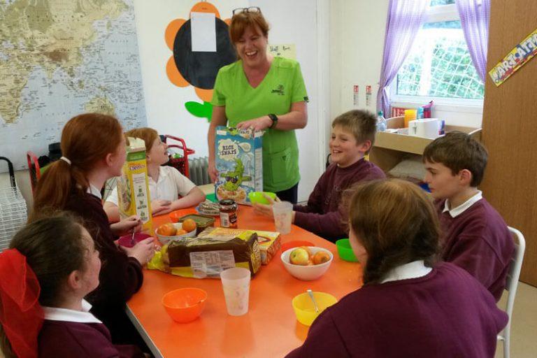 school kids eating breakfast at the den mullingar before school