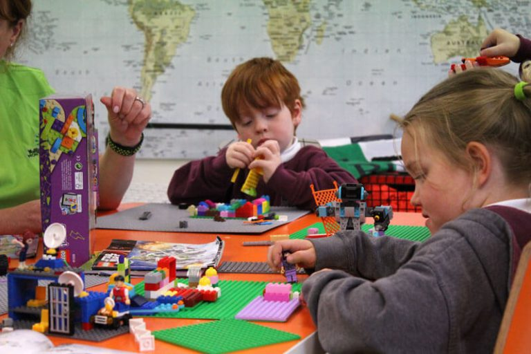 a girl and boy playing with lego in mullingar westemath